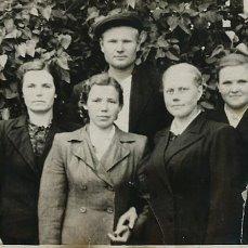 Младший брат Дельнов Олег Ильич