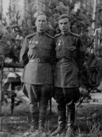 Чуян Михаил Михайлович (слева на фото)