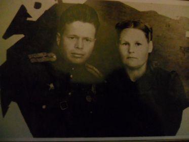 Дедушка с бабушкой 1942 год