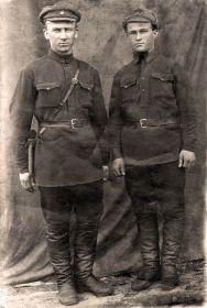 Иванов В.И. с сослуживцем