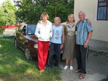 Брат с дочерью и сестрой Раисой и ее мужем в с. Заставцы , Старосинявского района , Хмельницкой области .