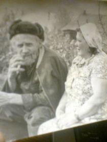 Отец с дочерью Шурой