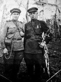 Теплов АА(справа) с боевым товарищем