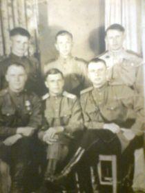 Фото с боевыми товарищами, Теплов АА стоит справа
