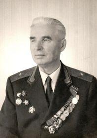 Ляхов В. И. в погонах комиссара 3 ранга