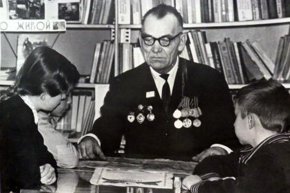 Павел Васильевич на встрече с учениками шк-инт №3 г. Таштагол