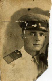 Командир отделения связи Скворцов Василий Иванович. 1944 г. Баку-Сураханы