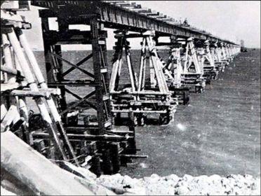 Высоководный мост сооруженный понтонерами 137 омпмб