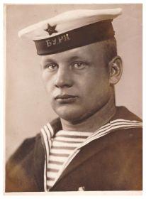Комендор Владимир Полосин. Кронштадт, 1941 г.