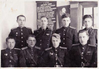 Немиров А.А. (на фото справа с краю, внизу)