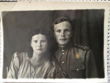 С женой - Мельниковой (Лысенко) Татьяной Ивановной