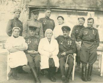 Герой СССР Головин, Герой СССР Манукян, гв полковник Шхиян, гы подполковник Кортелев, гв майо Матях, майор м/c Пенюгина