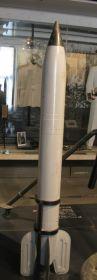 Реактивный снаряд М-13 комплекса Катюша.