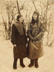 Николай Илларионович с сестрой Марией Илларионовной Чулюковой.