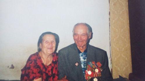 С супругой Анной