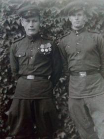 Еловский Петр Алексеевич слева