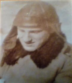 Друг и одноклассник Шаева Владимира младший лейтенант, командир танка Баранов Ремт Ильич