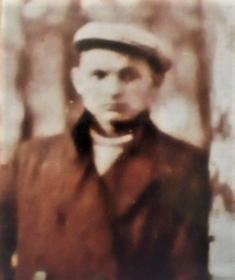 друг и соученик Остроумов Всеволод Сергеевич, участник войны, старший лейтенант