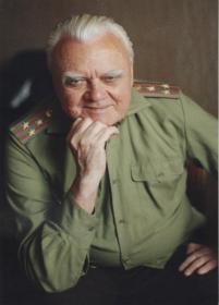 племянник Абакумов Лев Дмитриевич, ветеран войны, полковник в отставке