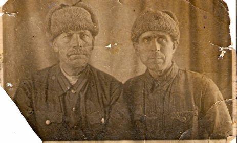 Фото с фронтовым товарищем Териховым Петром Николаевичем