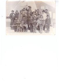 Прадедушка с семьей 1985г