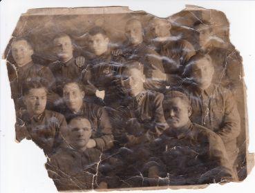 01.12.1940 год Станция Облучье.Бабенко Т.Ф. верхний ряд,первый слева.