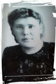 Вепрева- Бахарева Юлия Ивановна, двоюродная сестра
