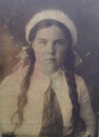 Воловикова(Бурова) Екатерина Александровна ( 27.11.1924-10.05.2015 гг.), родная сестра Николая Александровича Бурова.
