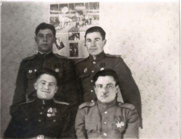 Германия-1945-46-Однополчане (15) (Мыльников Л.А. верх справа)