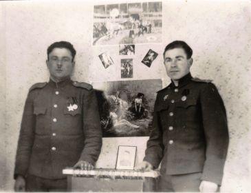 Германия-1945-46-Однополчане (13) (Мыльников Л.А. справа)