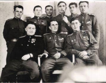 Германия-1945-46-Однополчане (14) (Мыльников Л.А. верх второй слева)