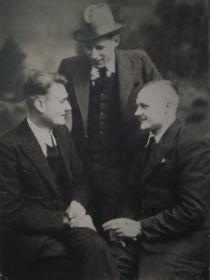 1946 год. (Щелчков А.Г. посередине)
