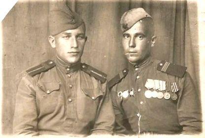 Василий Илюхин с товарищем (В.Г. Илюхин справа)