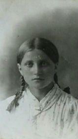 Петрова Вера Александровна,предвоенное фото