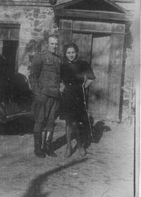 С супругой, Анной Григорьевной