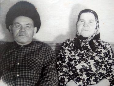 с женой Игнахиной Елена Павловной