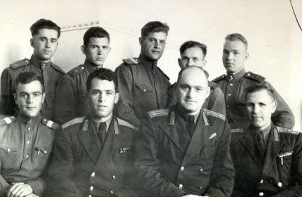 Горнаков К.И.   04.10.1955 (нижний ряд, второй слева)