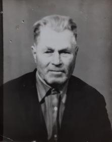 Фотография прадедушки в 80-е годы