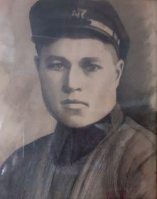 Портрет прадедушки в военной форме