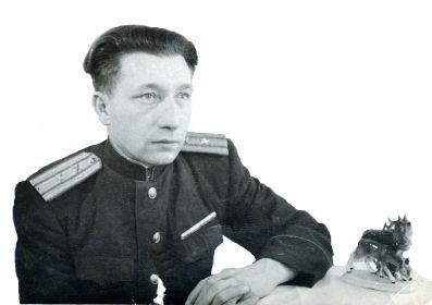 Хамов Иван Романович майор после войны в Берлине