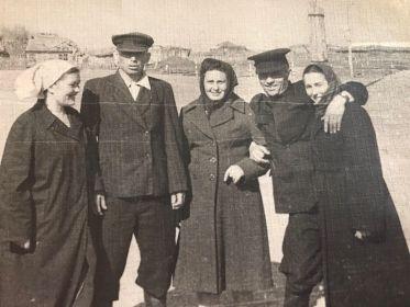 С соседями. 1955 год