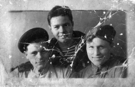 1946 год, окончание воинской службы, Мамыкин А.А. с однополчанами