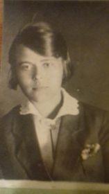 Фотография бабушки моей жены Маргариты в молодости.