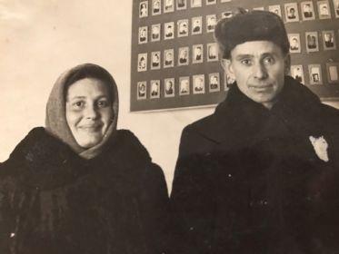 В школе. Молодая семья. 1952 год