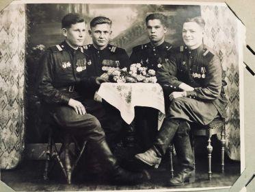 Август 1946 года,Германия,г.Дрезден Жунтов А.М.с сослуживцами.