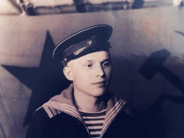 Долинин Василий Александрович 1925 г.р. во время службы в рядах Черноморского Флота.