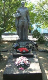 Братская могила в станице Распопинской Клетского района Волгоградской области