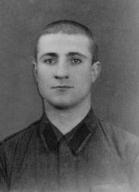 Это мой дедушка Павел,год фотографии неизвестен.