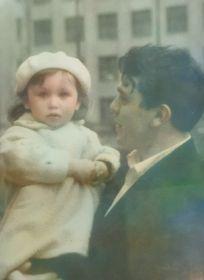 Сын Рафек с племянницей.