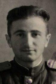 Фото из Учетно-послужной картотеки архива ЦАМО - ст. лейтенант Галечян К.С.